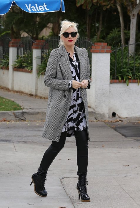 her-sleekest-outfits-Gwen-go--coat-choice-tailored-blazer-done-long