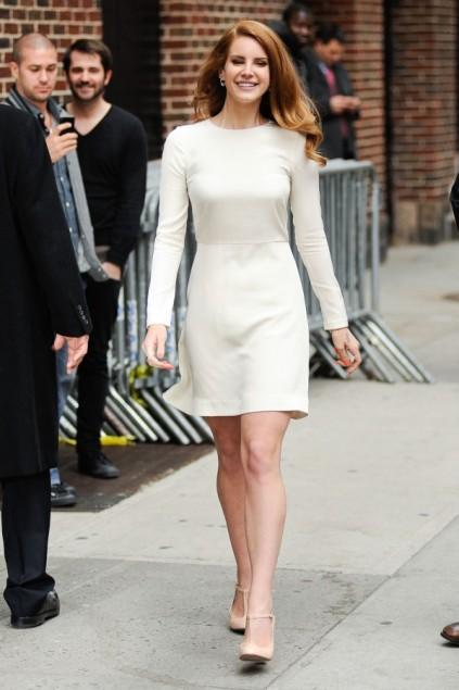 Lana-Del-Rey-David-Letterman-February-2012-600x902