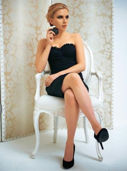 SCARLETT JOHANSSON in Dolce & Gabbana Adverts