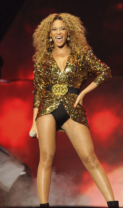 beyonce-glastonbury-2011-alexandre-vauthier-outfit-h724