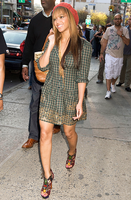beyonce-plaid-dress-g