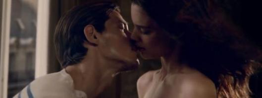 classique-le-male-sur-les-quais-baiser-rianne