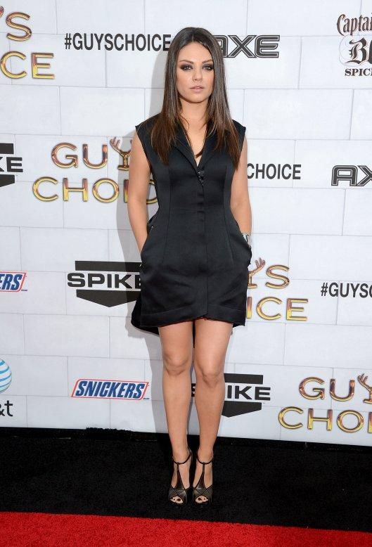 Mila-Kunis-Style-Profile (2)