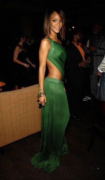 rihanna_sexy_green_cut_out_prom_gown_formal_evening_dresses_grammy_red_carpet_