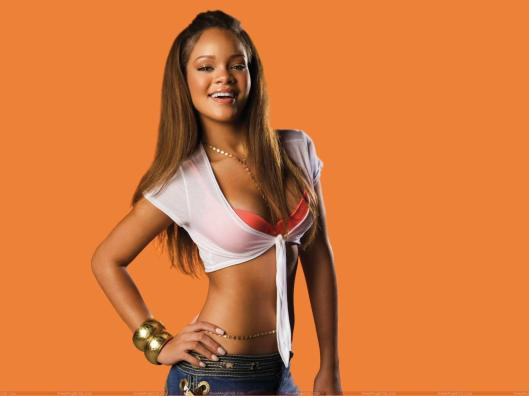rihanna_smiling_wallpaper