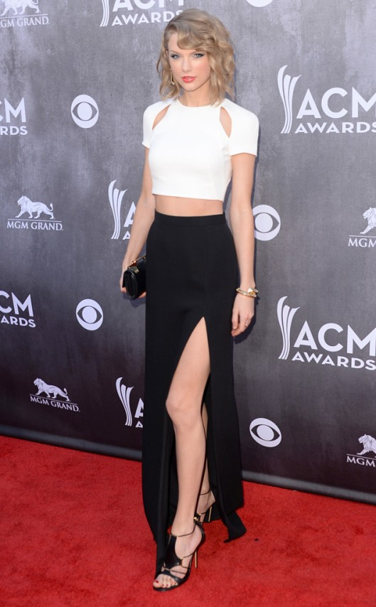 rs_634x1024-140406165553-634.Taylor-Swift-2-ACM-jmd040614_copy